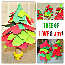 Kid Crafts For Christmas - christmas crafts for kids a christmas tree of hearts kids play box
