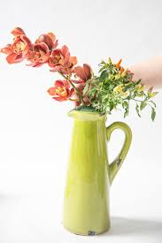 hgtv experts show how color theory can be used in floral