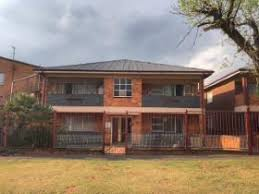 2 Bedroom Flat In Johannesburg To Rent Forest Hill Johannesburg Property Property And Houses To Rent