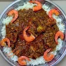 comment cuisiner le gombo la sauce gombo huile de palme crevette accompagnée de riz ou