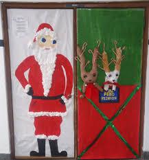 winning christmas door decorating contest ideas