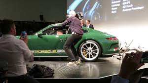 porsche 911 olive green porsche sound nacht 2016 2016 porsche 911r youtube
