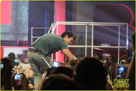 Bench Philippines Hiring Taylor Lautner Promotes Bench Clothing In The Philippines Photo