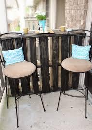 Diy Pallet Patio Furniture - diy pallet patio bar under 12 shaina glenn