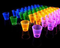 bicchieri fluorescenti posate bicchieri piatti uv fluo bestwebseller store il negozio