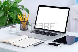 ordinateur portable de bureau ordinateur portable maquette ordinateur avec écran vide sur le