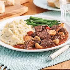 cuisiner un boeuf bourguignon boeuf bourguignon recettes cuisine et nutrition pratico pratique