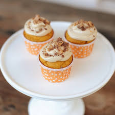 recipe pumpkin cupcakes with maple cream cheese frosting and