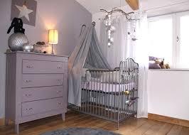 décorer la chambre de bébé chambre bébé om raliss com