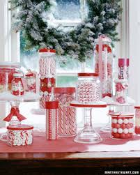 Red And White Christmas Decorations To Make by Christmas Table Ideas Using Red And White For A Different Twist