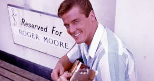 roger moore roger moore seven time james bond dead at 89 rolling stone