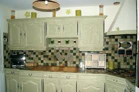 peindre un meuble de cuisine peindre les meubles en bois great meuble de cuisine brut peindre