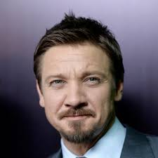 jeremy renner hairstyle jeremy renner on 360 filmmaking and unbearable bowling the