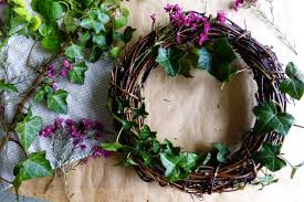 diy spring wreath under the plum blossom tree