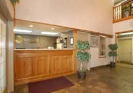 Comfort Suites Tulsa Front Desk At The Comfort Inn Tulsa Airport Picture Of Days Inn
