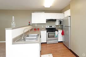 kitchen rock island il 40 blackhawk dr rock island il 61201 rentals rock island