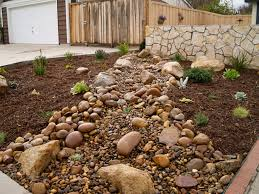 good stone mulch in front yard best mulch for landscaping