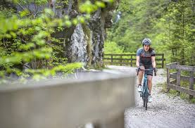 road bike waterproof jacket seven highlights from sportful u0027s 2017 spring summe