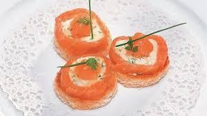canapé saumon canapés de saumon à la chavignolaise