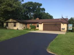 albany wi homes under 400 000 for sale realty solutions group