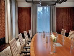 boardroom i the ritz carlton vienna