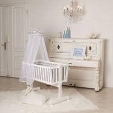 le babyzimmer babyzimmer in beige und weiß einrichten gitterbett small
