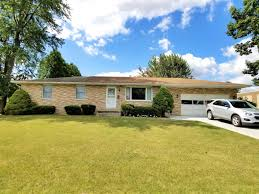 Ranch Home by Massillon Oh Brick Ranch Home 3 Bedrooms 1 U00261 2 Baths 2