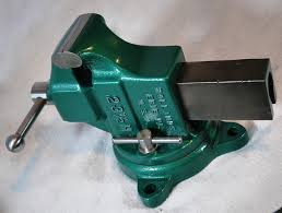 holland 23 1 2 has casted in 3 1 2 inch jaw faces bench vise