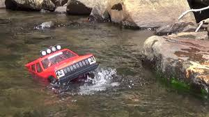water jeep rc 4x4 axial jeep on water river