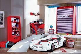 chambre voiture garcon chambre garcon voiture bleu idées décoration intérieure farik