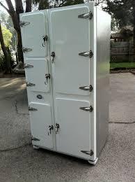 diligent dwarves a 2011 samsung fridge becomes a 1930 u0027s fridge
