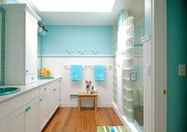 Bed Bath Decorating Ideas by Bed And Bath A Dog In Beach Themed Bathroom Decorating Ideas With