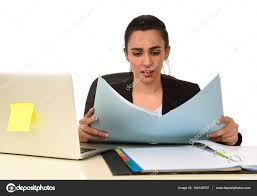 recherche ordinateur de bureau femme en affaires costume travail fatigue et ennui au bureau d