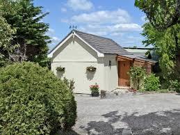 the hen house ref w43457 in widegates near looe cornwall
