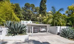this 2 5 million midcentury modern house u0027s best feature is