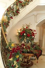 Homes Decorated For Christmas 167 Best Christmas Staircase Decor Images On Pinterest Christmas