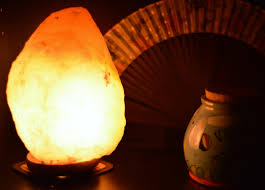 7 reasons to buy a himalayan salt lamp find your dazzle