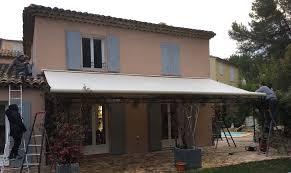 Lambrequin De Store Banne Store De Terrasse Coffre Intégral Posé à Salon De Provence