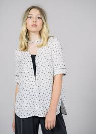 baum und pferdgarten baum und pferdgarten marny keyhole blouse garmentory