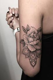100 of most beautiful floral tattoos ideas black roses woman