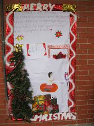 our little roses news christmas door decorating contest winners
