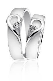 snubni prsteny stříbrné snubní prsteny ve tvaru dvou srdíček kvalitní české