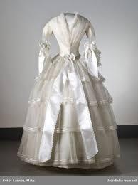 secondhand wedding dresses historically worn wedding gowns historical fashions wedding