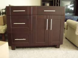 Shaker Style Kitchen Cabinets by Kitchen Kitchen Handles On Shaker Cabinets With Shaker Style