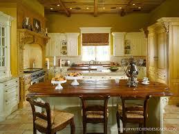 20 beautiful traditional kitchen designs