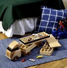 construction grade truck crane woodworking plan from wood magazine