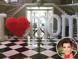 Kris Jenner Home Decor by Kendall And Kylie Jenner Pull Out All The Stops For Mom Kris On