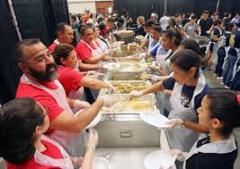 thousands enjoy warm h e b meal news themonitor