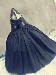 Black Wedding Dress Halloween Costume 25 Coiffure Mariage Gothique Ideas