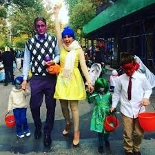 halloween costumnes peter hermann and mariska hargitay family halloween costumes